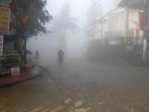 1906131-foggy-town