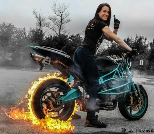 motorcycle-stunt-jumping-4