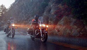 h-d_rainsuits_action