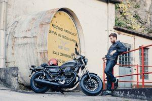 2016-Moto-Guzzi-V9-Bobber2