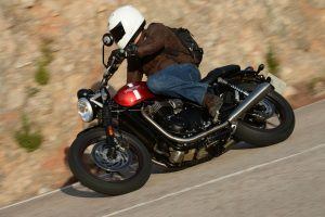 2016-Triumph-Street-Twin-Action_022lores