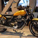 2016-moto-guzzi-v9-roamer-bobber-2