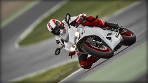 SBK-959-Panigale_2016_Amb-08_1920x1080.mediagallery_output_image_[1920x1080]