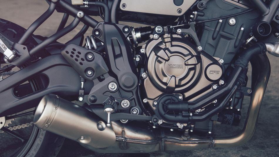 2016-Yamaha-XSR700-EU-Forest-Green-Detail-002
