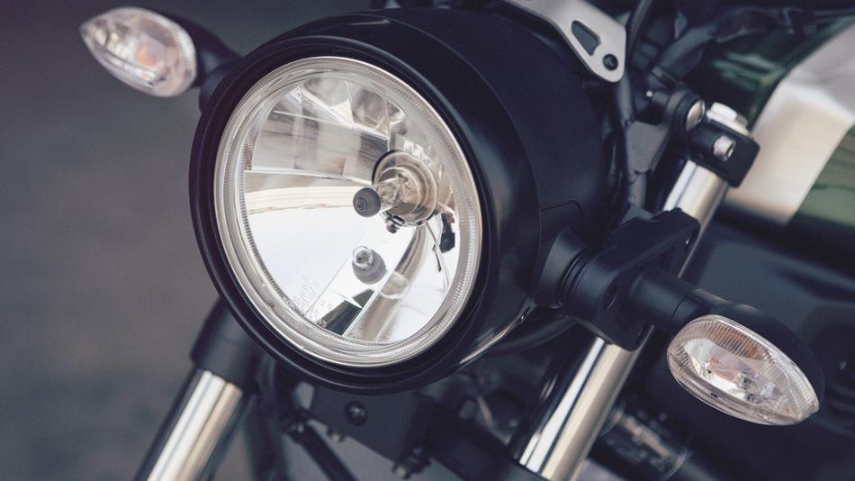 2016-Yamaha-XSR700-EU-Forest-Green-Detail-012