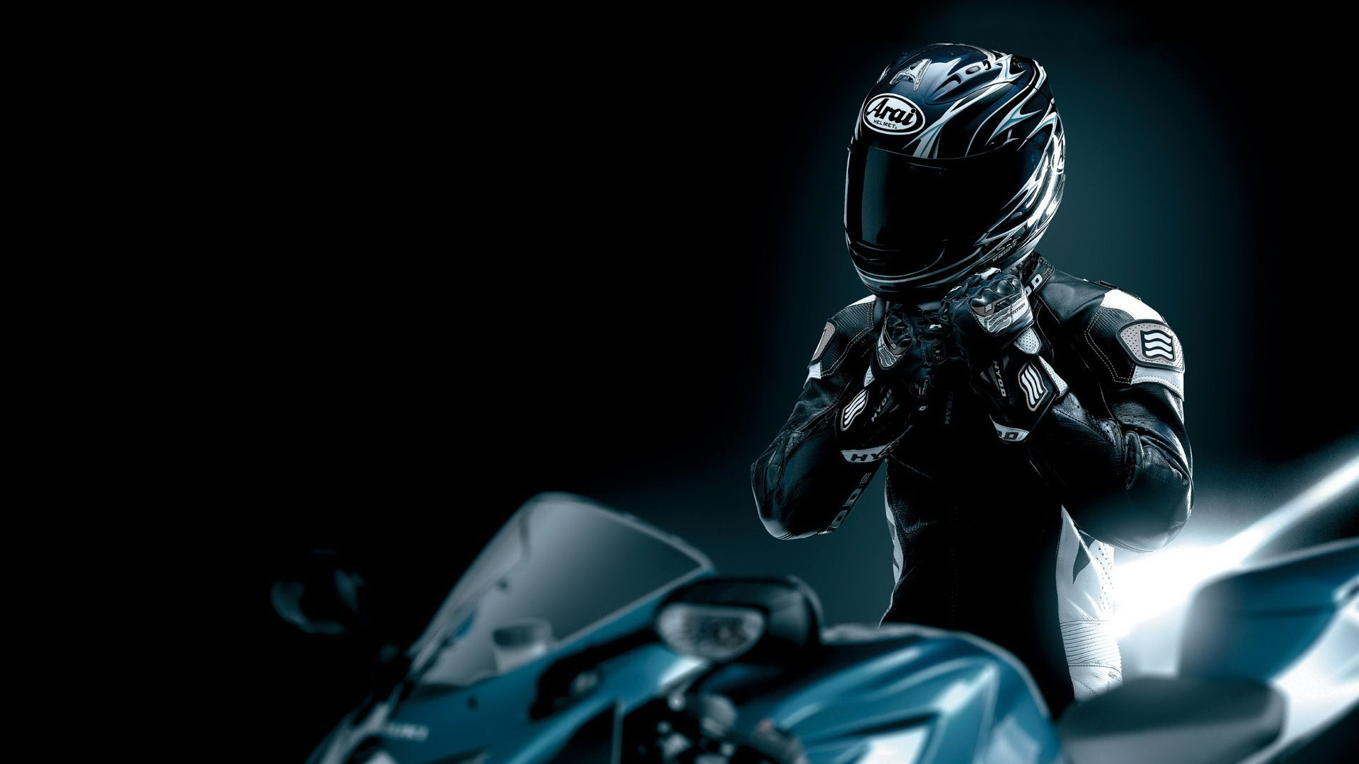 racer_black_motorcycle_helmet_2802_1920x1080