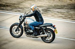 street-twin-riding-sho-004