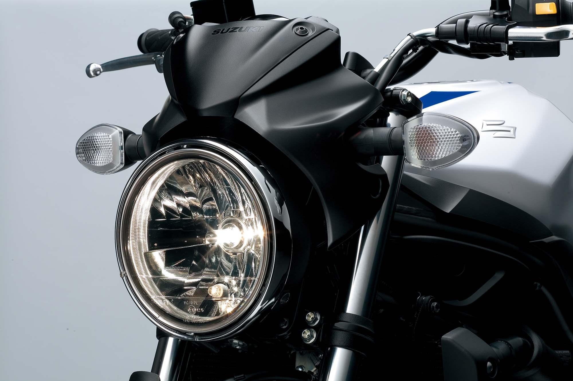 2016-Suzuki-SV650-A-details-08