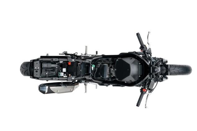 2016-Suzuki-SV650-A-details-25