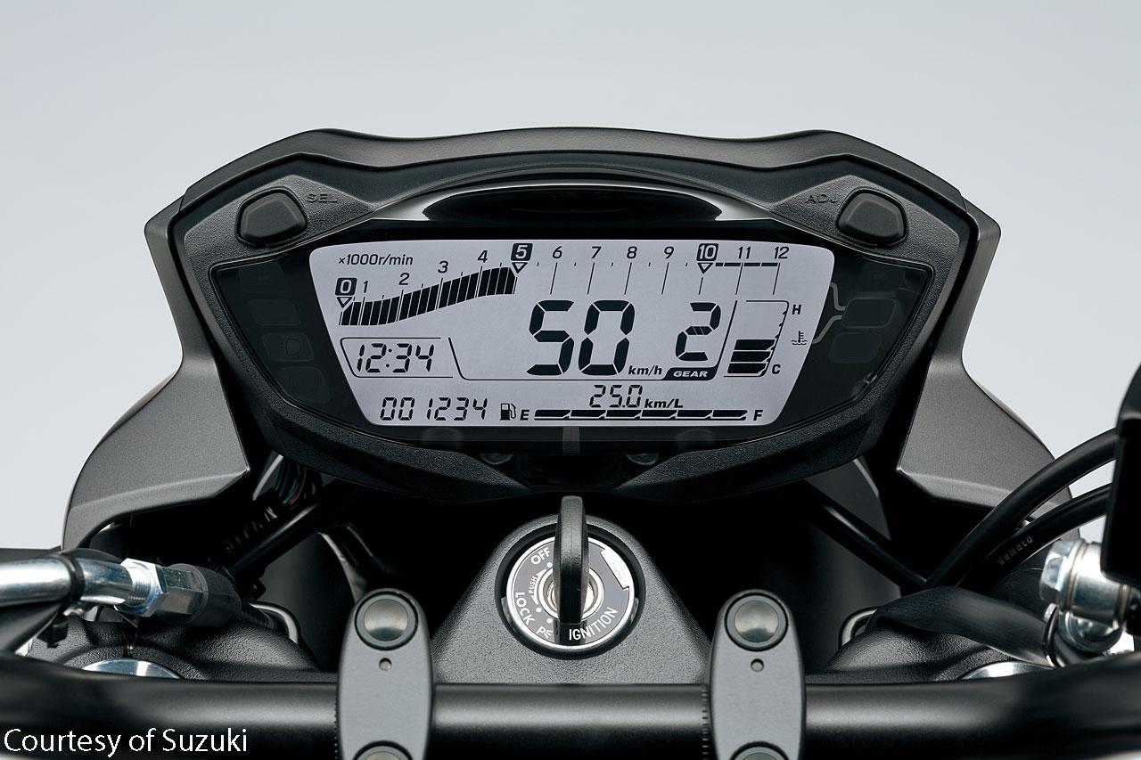 2017-Suzuki-SV650-instrumen