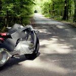 bmw-rsquo-s-self-balancing-bike-is-super-safe4-1476357391