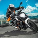 Comparing of Yamaha FZ25 Vs Ktm Duke 250
