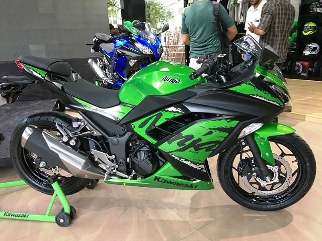 Kawasaki Ninja 300 Abs Detail Images Motorcyclediaries