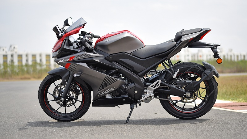 R15 V3 ABS motorcycle diaries
