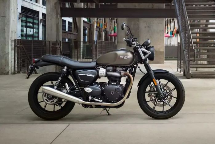 triumph street twin motorcyclediaries