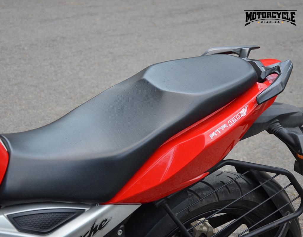 tvs apache rtr 160 4v seat motorcyclediaries