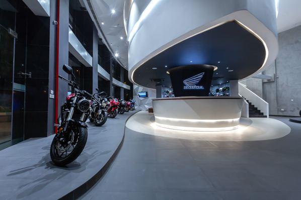 honda big wing motorcyclediaries