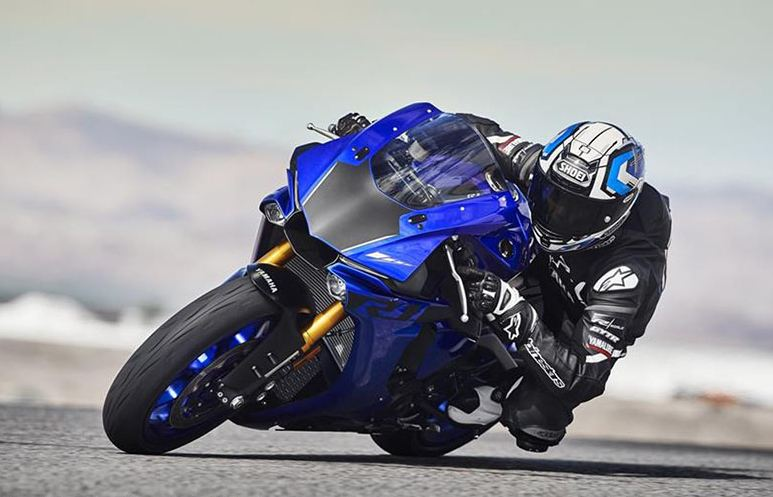 yamaha r1 2021 motorcyclediaries
