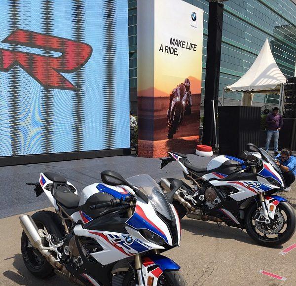 2019-BMW-S1000RR-motorcyclediaries