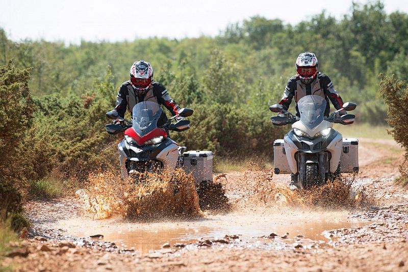 Ducati-Multistrada-1260-Enduro-motorcyclediaries