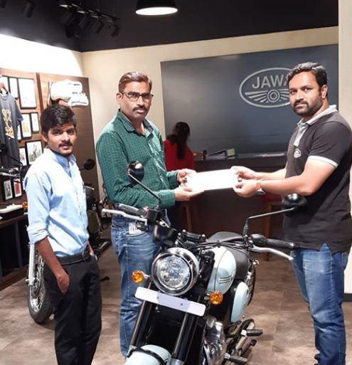 jawa-42-dual-channel-motorcyclediaries