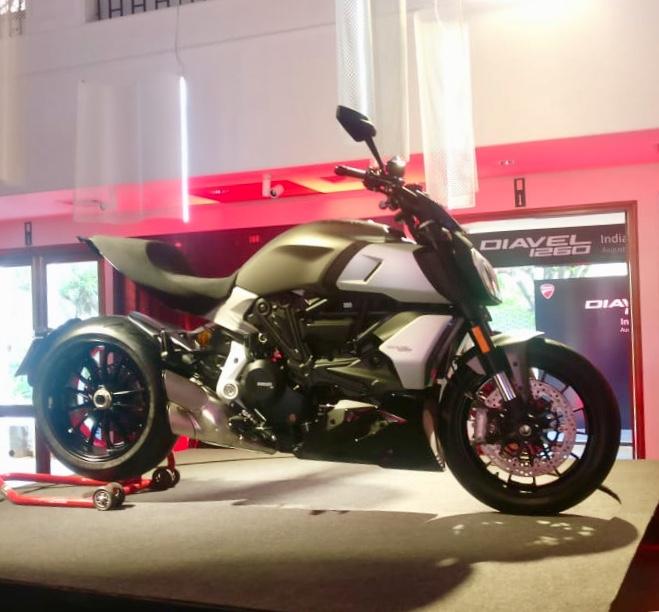 Ducati Diavel 1260-motorcyclediaries