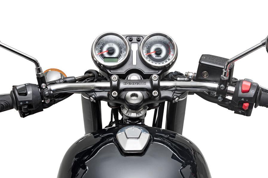 Benelli-Imperiale-400-meter-motorcyclediaries
