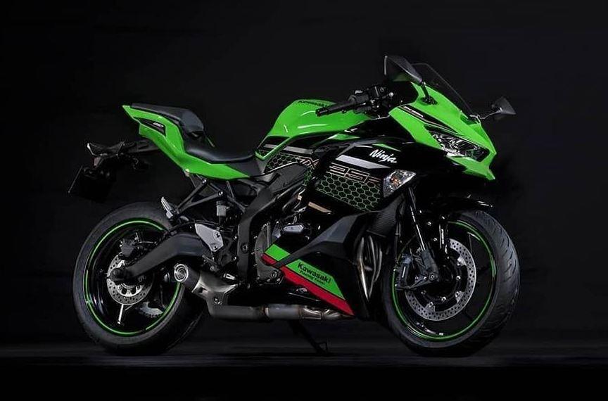 Kawasaki-ZX25R-Motorcyclediaries