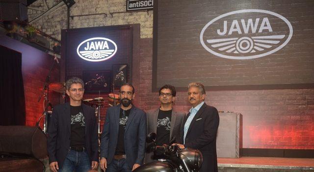 L-R- Boman Irani, Co-Founder & Director-Classic Legends, Anupam Thareja, Co-Founder & Director-Classic Legends, Ashish Singh Joshi, CEO, Classic Legends Motorcyclediaries