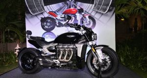 Triumph-Rocket-3-Motorcyclediaries