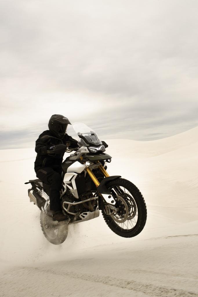 triumph tiger 900 air time motorcyclediaries