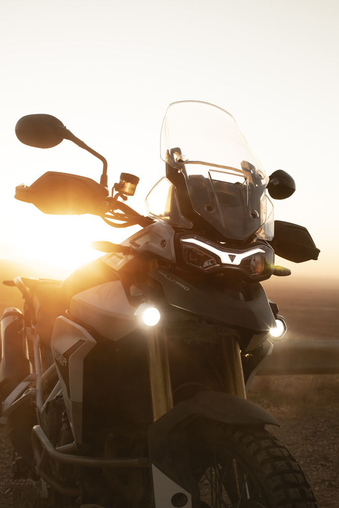 triumph tiger 900 sunset motorcyclediaries