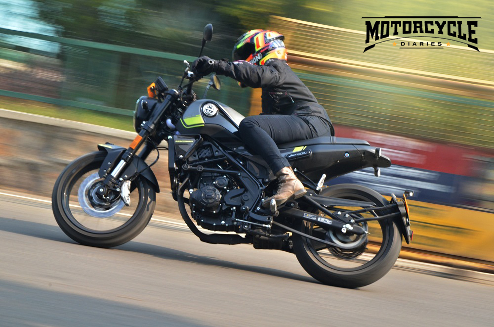 benelli leoncino 250 review corner motorcyclediaries